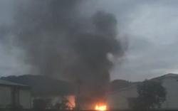 Hai xe bồn bốc cháy dữ dội bên trong nhà máy cồn Đại Tân