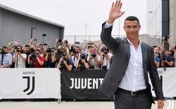 Ronaldo kiểm tra y tế tại Juventus, tiếp tục mang áo số 7