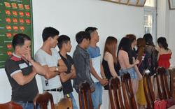 Hàng chục nam nữ chơi ma túy trong quán karaoke