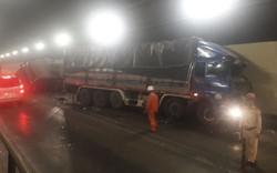 Clip xe tải tông xe đầu kéo trong hầm Hải Vân