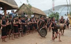 Di sản văn hóa phi vật thể ở Việt Nam: Hướng nào để phát triển bền vững