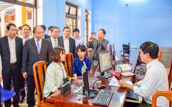 Thủ tướng Nguyễn Xuân Phúc đến thăm Trung tâm tiếp công dân CA tỉnh TT - Huế