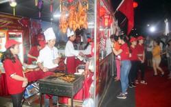 Liên hoan Ẩm thực Quốc tế - Huế hút khách ngày khai mạc