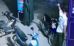 Nóng: Trưởng công an xã bắn 2 phát súng ở quán bi-a