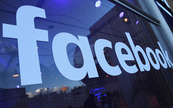 "Cổ phiếu lao dốc ""thổi bay"" 120 tỷ 'đô' của Facebook"