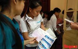 Gần 900.000 thí sinh trên cả nước bắt đầu kỳ thi THPT Quốc gia