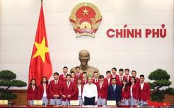 Thủ tướng ấn tượng với các cô gái đội tuyển bóng đá nữ Việt Nam