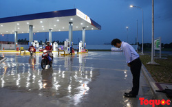 Văn hóa Nhật Bản: TGĐ cúi chào khách hàng khi tới mua xăng
