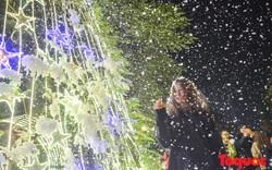 Hà Nội hứng cơn mưa tuyết lãng mạn như phim Hàn Quốc
