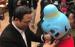 Phụ nữ dân tộc Thái đã có mũ bảo hiểm 'tằng cẩu'