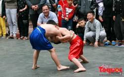 Về làng Mai Động xem võ sĩ... nhí trổ tài đấu vật