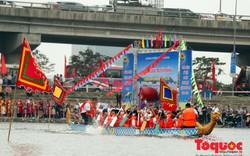 Hơn 200 vận động viên tranh tài đua thuyền rồng truyền thống giữa lòng Hồ Linh Đàm