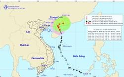 Giật cấp 11, bão số 2 quần thảo mạnh trên Biển Đông