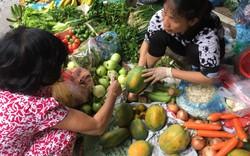 Giá rau xanh tăng đến…10 lần sau mưa bão