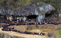 Bất ngờ đại gia đình 500 người Trung Quốc tụ tập