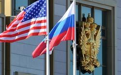 """""""Chiến tranh"""" trừng phạt Mỹ- Nga: Đưa Ukraine vào thế bí?"""
