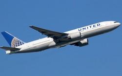 """Bất chấp việc đi thăm mẹ lần cuối, hàng không Mỹ """"thẳng tay"""" đuổi hành khách"""