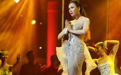 Hồ Quỳnh Hương tỏa sáng trước 7000 khán giả Hà Nội