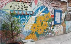"""Hẻm Sài Gòn """"lột xác"""" bởi tranh bích họa độc đáo"""