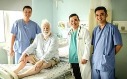 Bác sĩ Việt xuyên đêm giành tính mạng cho người đàn ông ngoại quốc