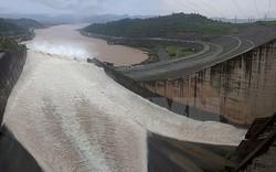 Thủy điện Sơn La – Hòa Bình mở cửa xả đáy chống lũ
