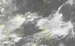 Áp thấp nhiệt đới trên biển Đông mạnh lên, cả nước tiếp tục có mưa dông