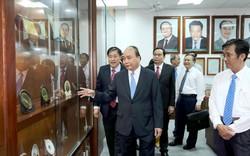 Thủ tướng Nguyễn Xuân Phúc đến thăm, nói chuyện với hơn 1.000 sinh viên ĐH Cần Thơ