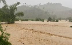 Lũ trên các sông ở Thanh Hóa và Nghệ An đang lên, nguy cơ sạt lở ở các tỉnh