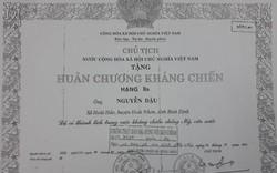 Khai man hồ sơ để nhận Huân chương Kháng chiến