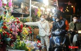 Nhộn nhịp chợ hoa lớn nhất Hà Nội dịp 20/10