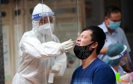 Hơn 10.000 người tại Hà Nội có nguy cơ cao mắc COVID-19 được xét nghiệm sàng lọc