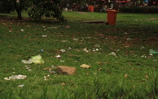 """Kỳ 3 - Ô nhiễm môi trường: Ý thức kém làm """"bẩn"""" điểm du lịch"""