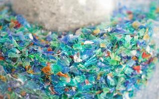 Kinh hoàng cơ thể người tiêu hóa tới 130.000 mảnh vi nhựa/năm và nguyên nhân đến từ thứ không ai ngờ tới