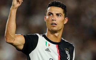 """Cristiano Ronaldo lộ bí mật """"động trời"""" về quan hệ với Arsenal và bàn thắng """"trái khoáy"""" vào lưới Juventus"""
