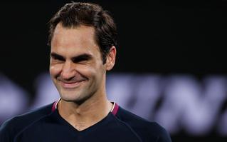Bất ngờ với hình ảnh nghịch ngợm của Federer: Chơi trốn tìm và vật đầu thành viên ban huấn luyện