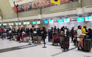 Đưa gần 350 công dân Việt Nam từ Canada về nước