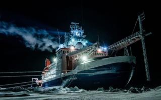 """""""Nhốt mình"""" trong bóng tối Bắc Cực hàng tháng trời, giờ  đây hơn 40 nhà khoa học quốc tế không có nơi trở về vì COVID-19"""