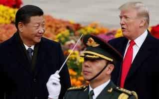 """Giới tài chính Trung Quốc cảnh báo Mỹ theo đuổi """"lựa chọn hạt nhân"""" - vừa đau người, lại đau mình?"""