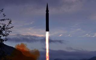 Chuyên gia đưa ra các đánh giá về vụ phóng tên lửa siêu thanh của Triều Tiên