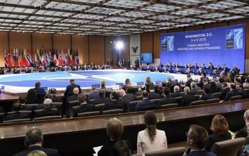 """Sức mạnh NATO tại ngưỡng cửa 70 năm: Sóng gió """"nội - ngoại"""" giáp công"""