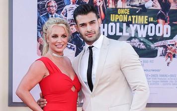 Lần đầu tiên Britney Spears công khai dự sự kiện với tình trẻ kém 13 tuổi