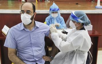 Đà Nẵng tiêm vaccine phòng Covid-19 cho hàng ngàn người nước ngoài đang sinh sống, làm việc tại thành phố