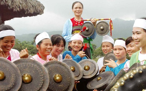 Bản tin truyền hình số 154: Khẳng định vai trò quan trọng của văn hóa trong phát triển du lịch