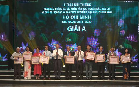 """228 tác phẩm được trao giải thưởng sáng tác về chủ đề """"Học tập và làm theo tư tưởng, đạo đức, phong cách Hồ Chí Minh"""""""