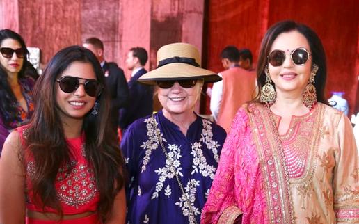 Định nghĩa mới của sự xa hoa: cận cảnh đám cưới 100 triệu USD của con gái người giàu nhất Ấn Độ