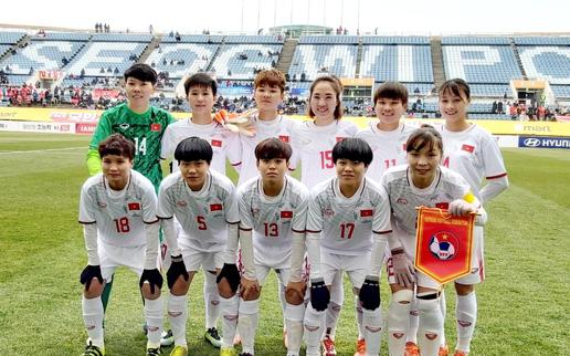 HLV Mai Đức Chung chỉ ra lợi thế của ĐT nữ Việt Nam trước đối thủ Australia