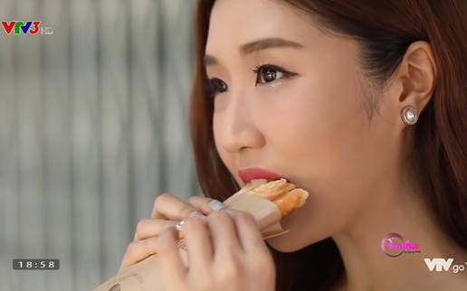 Cùng cô bạn người Hàn Quốc thưởng thức món bánh mì độc đáo của Việt Nam