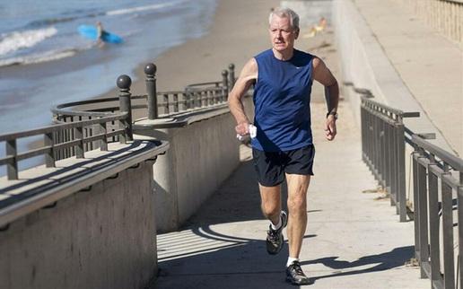 """Sau 50 tuổi, chạy bộ mỗi ngày có còn """"lý tưởng"""" hay chỉ đang đẩy nhanh quá trình """"lão hóa xương""""?"""
