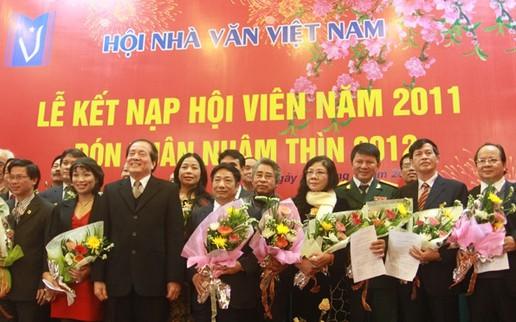 Hội Nhà văn Việt Nam công bố giải thưởng thường niên và danh sách hội viên mới
