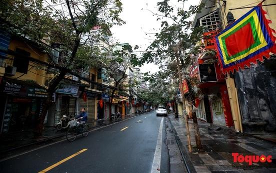 Khung cảnh vắng vẻ ở Hà Nội sáng mùng 1 Tết Canh Tý 2020